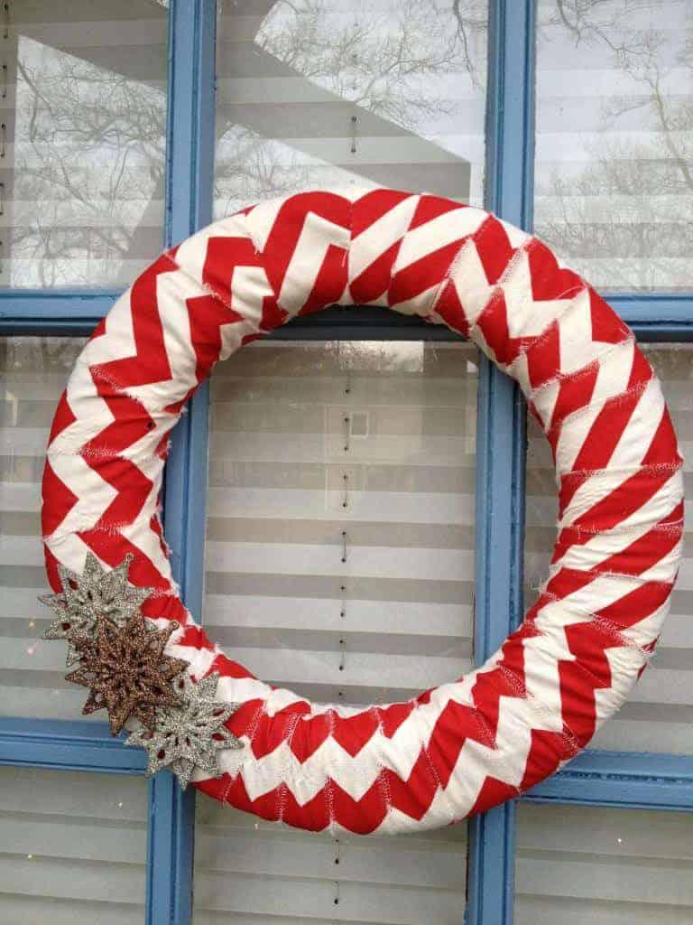 festive-front-doors-diy-wreath