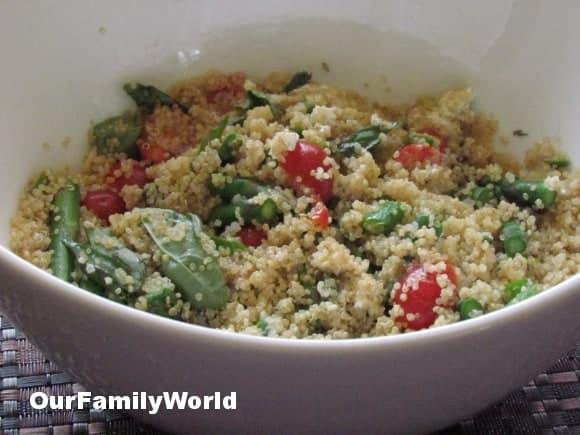 easy-healthy-recipe-quinoa-salad-asparagus-goat-cheese