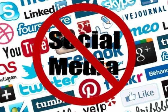 stop-bullies-social-media