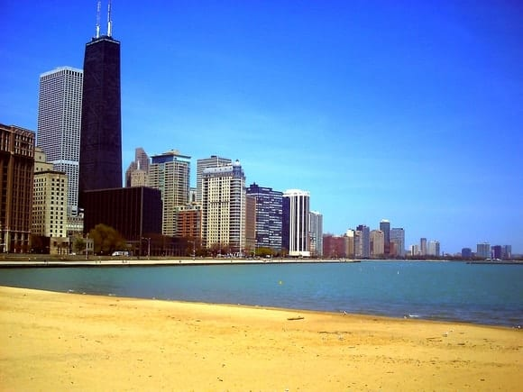 chicago-small-town-girl-meets-big-city