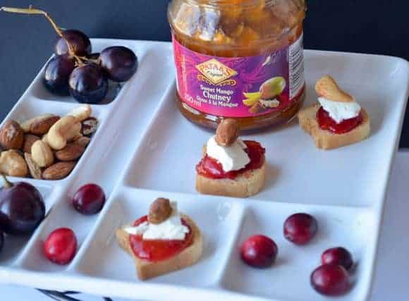 holiday-appetizer-recipe-chutney-cheese-cranberry-bites