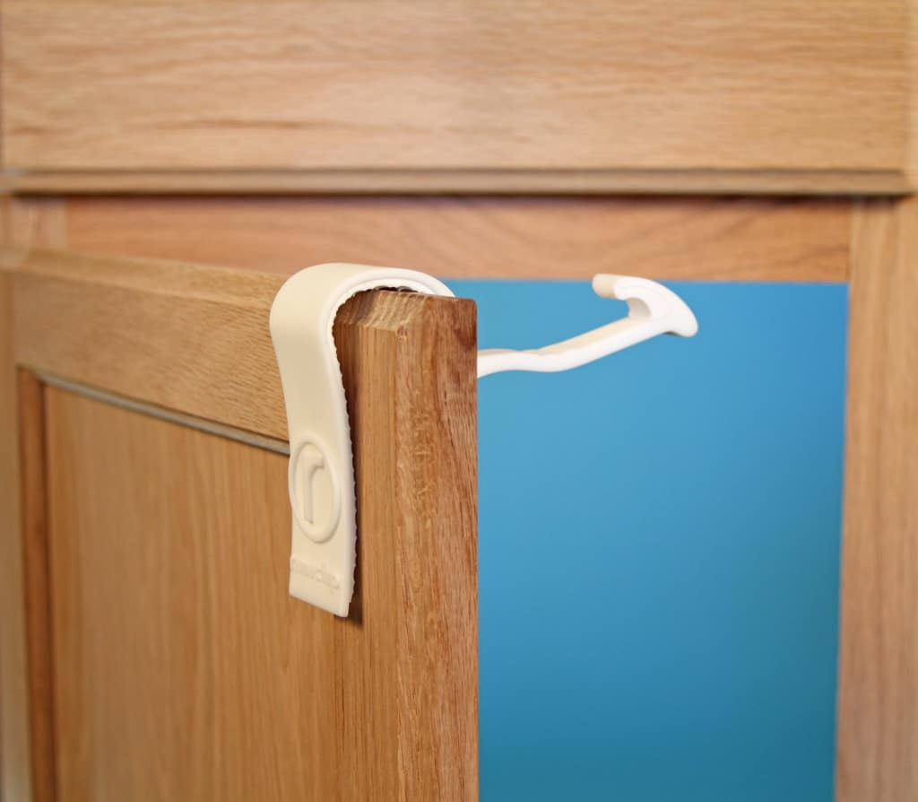 Baby-Proof Cabinets Easily Without Tools with Rimiclip!