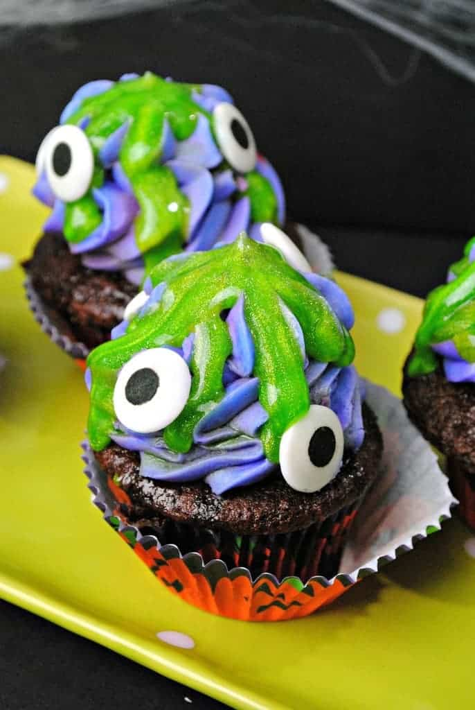 halloween-dessert-for-kids-monster-cupcake